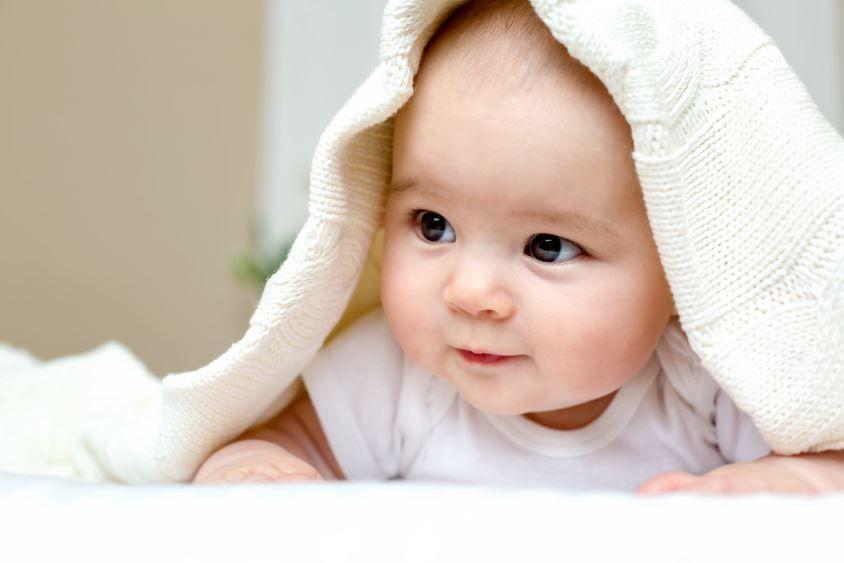 Wie sich das Baby im ersten Jahr entwickelt