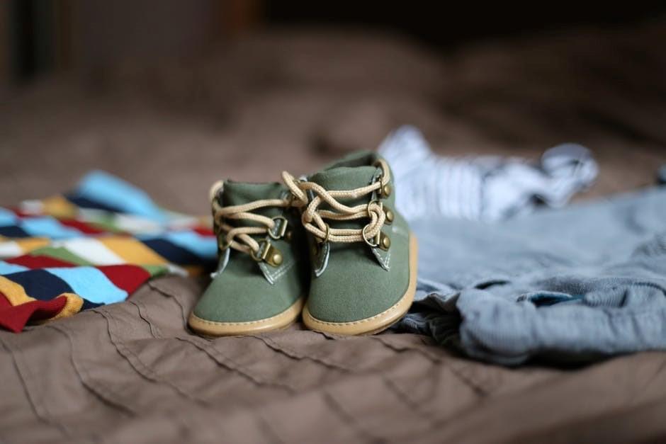 Ein Baby zieht ein – Hilfreiche Tipps für die Erstausstattung