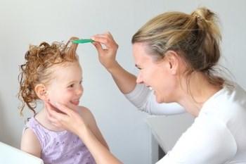 Kopfläusen vorbeugen: Mit diesen Tipps können Sie sich schützen