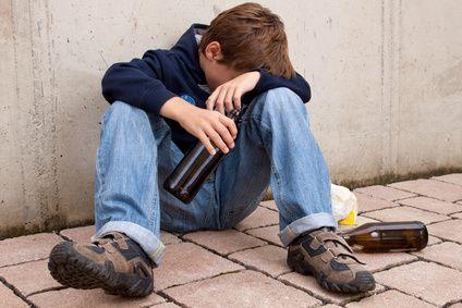 Komasaufen als Partygag: Alkoholkonsum im Jugendalter