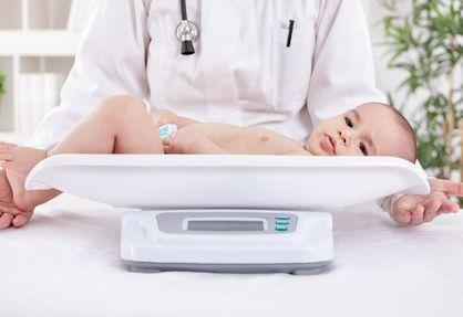 Erste große Prüfung: Die Erstuntersuchung bei Neugeborenen