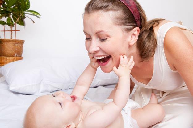 Das erste Jahr mit Baby: Der fünfte Monat