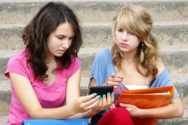 Sexting Gefahren: Neuer und gefhrlicher Trend bei
