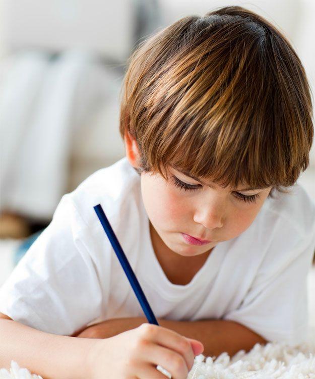 Kinderwunsch Ratgeber Fruchtbarkeit Frau: Schulkind Zweite Klasse Trödelt