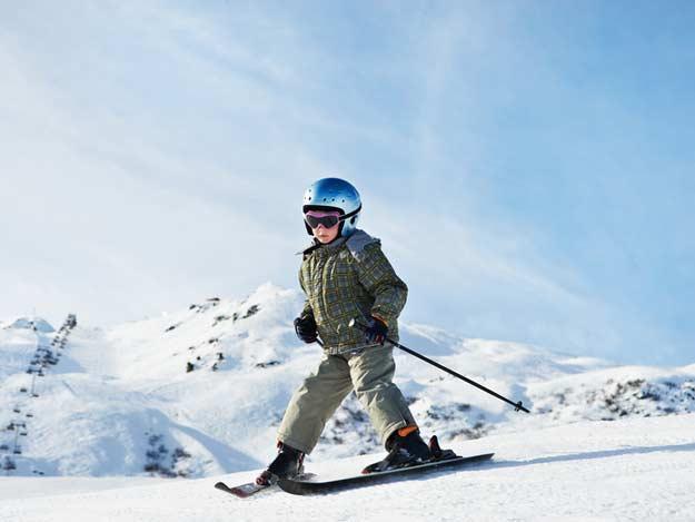 Kind auf Skier